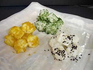 三色揚げ餅の画像