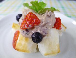 お餅とベリーのクリームチーズ餡の画像