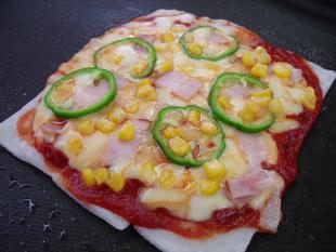 スライス餅生地ピザの画像